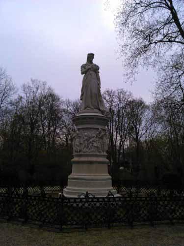 نمونه ای از مجسمه های پارک