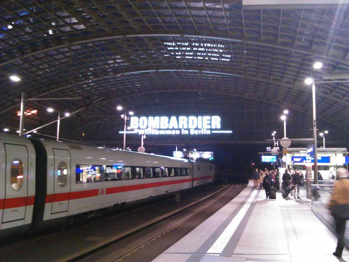 خوشامدگویی بومباردیر در ورود به ایستگاه مرکزی قطار برلین