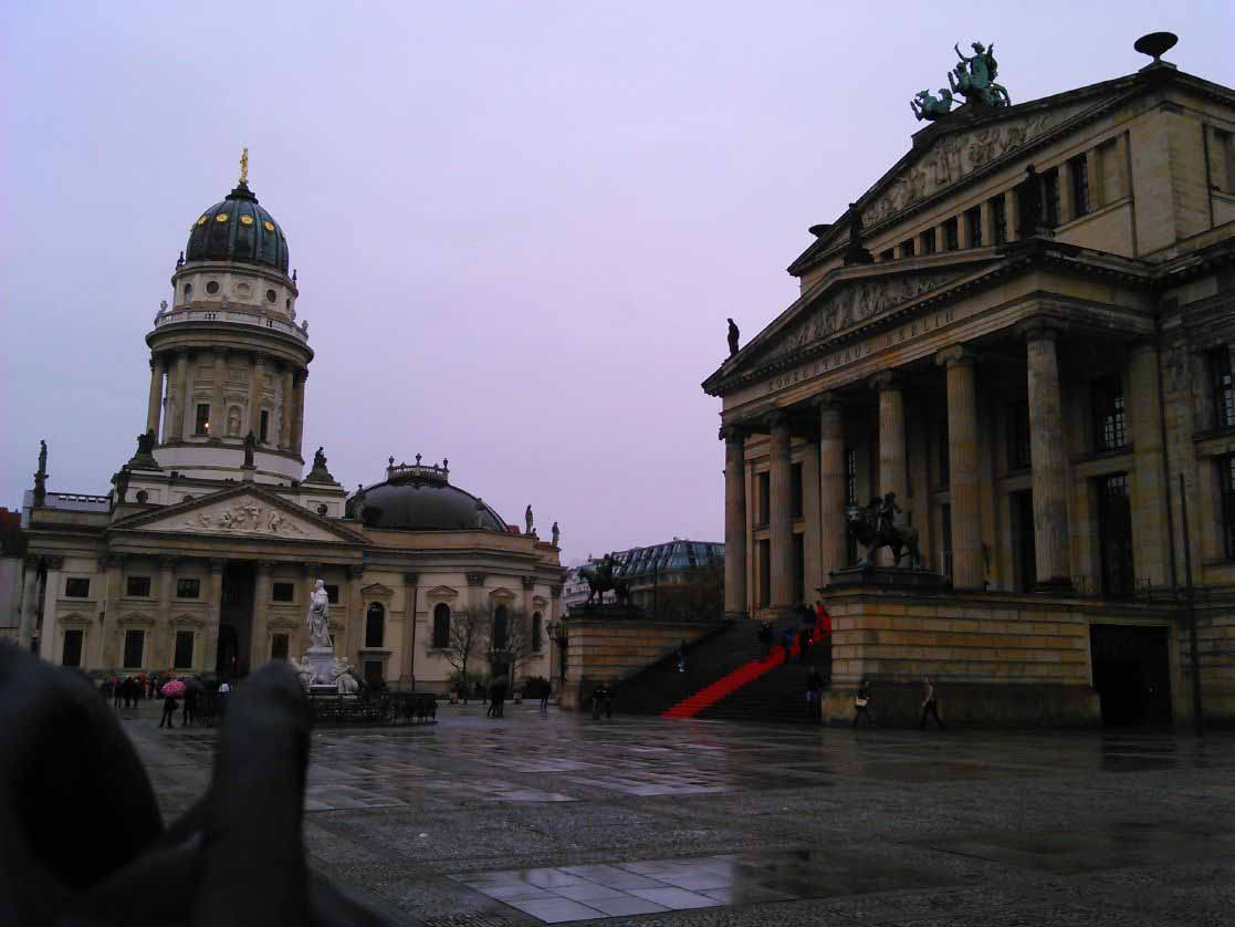 تصاویری از خانه کنسرت و کلیسای آلمان در شهر برلین