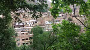 اشتبین از تپه های مشرف به روستا