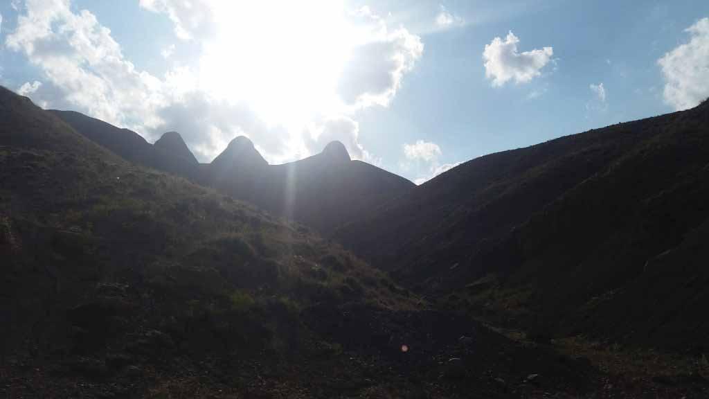 کوه دوقلو