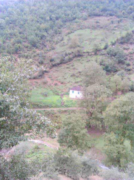 روستای نا بالا و کلبه ای که تنها مانده