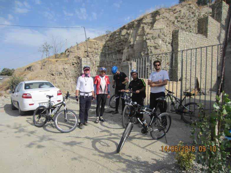 گروه برنامه سنج . در روستای برغان در حال آماده شدن برای حرکت