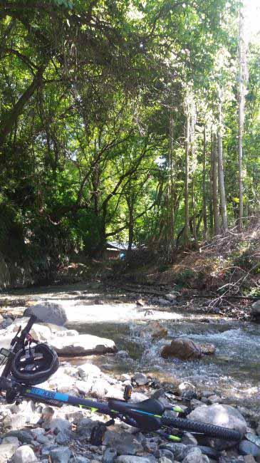مسیر رودخانه هزار بند در بالای سیبان دره