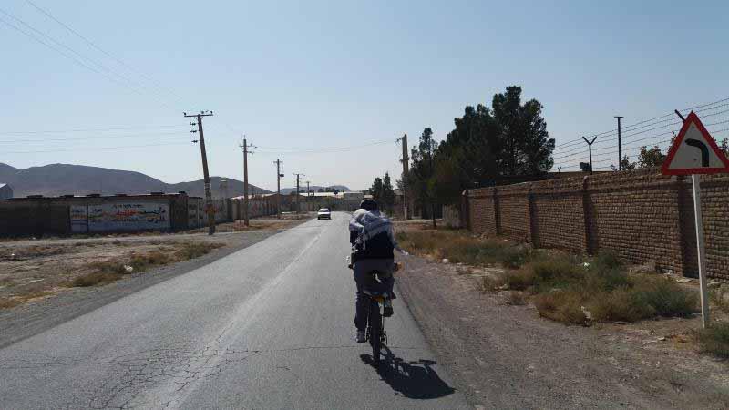 مسیر بسیار خلوت از میان روستاهای پایین کرج