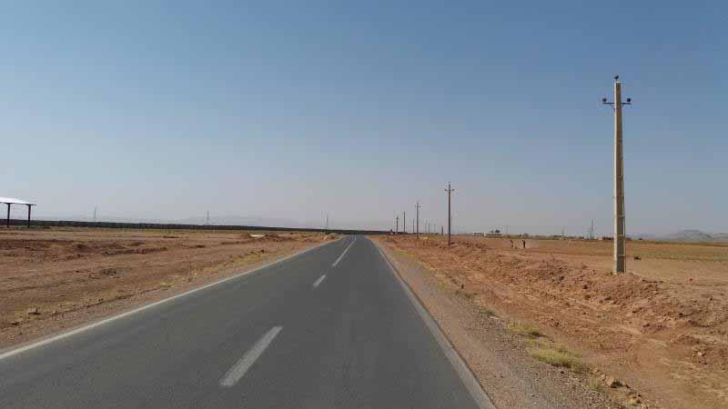 جاده کویری اخترآباد به زاویه