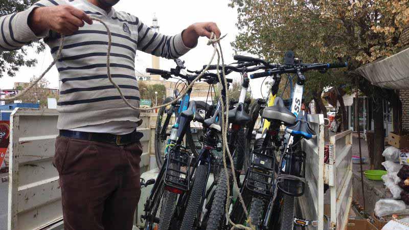 دوچرخه ها را بار زدیم