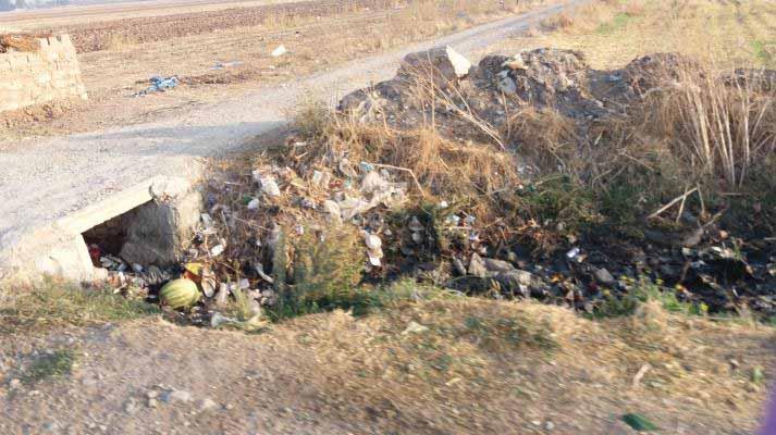 وضعیت اسفناک زباله ها در حاشیه جنوبی شهر نظرآباد