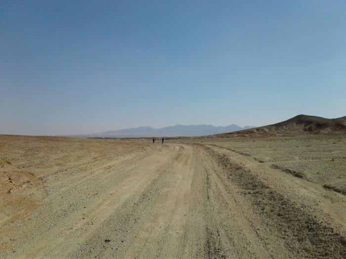 جاده قصر بهرام - خاکی و شنی