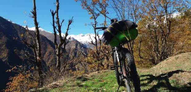 الیت و دلیر – رکابزنی در دامنه های علم کوه